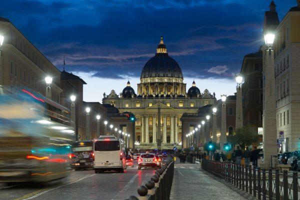 Le Vatican, la nuit